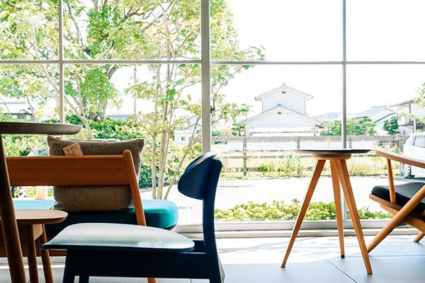本物の家具だけを全国の産地・工房から集めた専門店