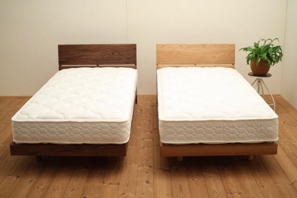 シンプルな木のベッドフレーム ウォールナット&オーク