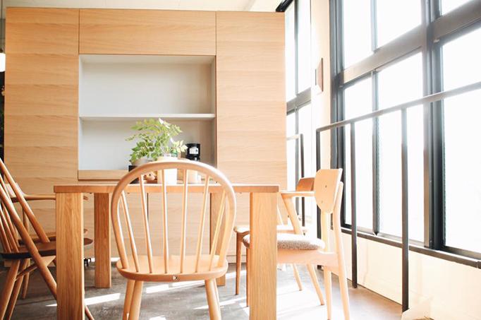 カスタマイズ可能な木のキッチン収納